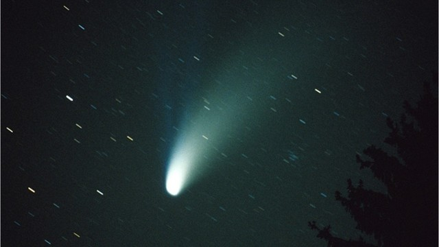 Year's brightest comet flies by Earth this weekend - Boston 25 News