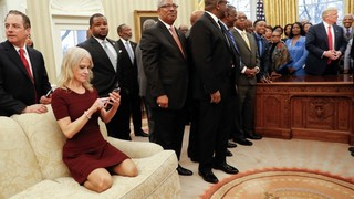 Photo of Kellyanne Conway kneeling on Oval Office couch sparks Twitter debate