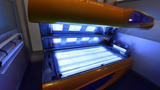 Doctors: Tanning beds contribute to rise in skin cancer in young, females