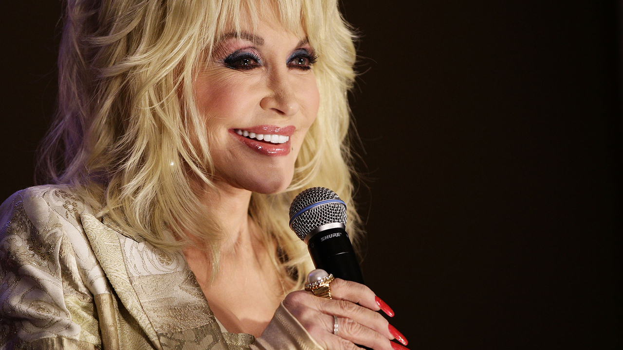Dolly Parton seems ready to take her horse down the 'Old Town Road'