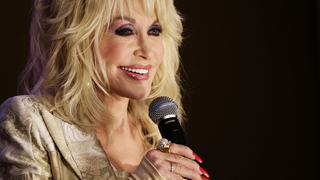 Dolly Parton earns two Guinness World Records