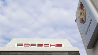 Porsche to give employees 9,111-euro bonus
