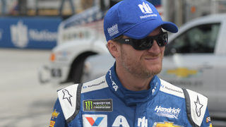 Dale Earnhardt Jr. to retire from NASCAR following 2017