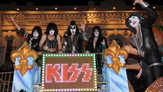 Finns pay tribute to rock band Kiss