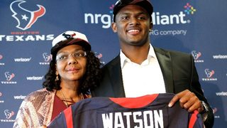 Deshaun Watson buys mom new car for birthday after getting drafted by Texans