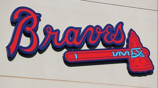 Video: Security guard criticized after ejecting Braves fan, taking ball…
