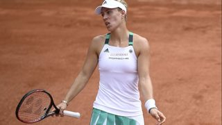 Top-seeded Kerber stunned in first round of French Open