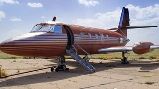Jet owned by Elvis fetches $430,000 at auction