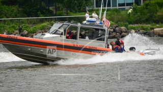 Navy SEAL falls to death in Hudson River after parachute failure