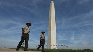 Teens selling water on National Mall handcuffed by police