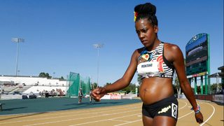 Track star Alysia Montano competes while five months pregnant