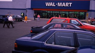 Woman, deputies aid 4 children left in car in Walmart parking lot