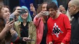 Louis Tomlinson heeds dying mother