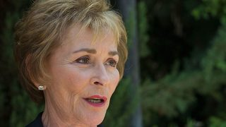 Judge Judy lets dog loose in her courtroom to prove who its owner is