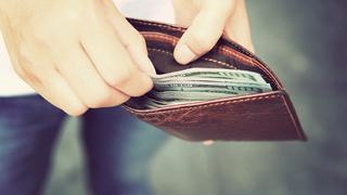 Teen returns lost wallet with $1,500 stuffed inside