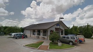Texas bakery deletes Facebook page after bad reviews over gun stance