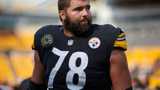 Lone Steelers player to stand for anthem now has NFL