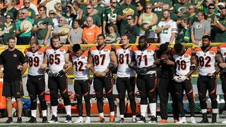 No Cincinnati Bengals kneel for national anthem; many players, coaches lock arms