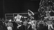 San Francisco 49ers Dwight Clark (87) makes