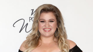 Kelly Clarkson says she was unhappy when she was 'really skinny