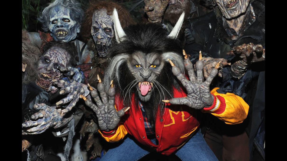 photos heidi klum thrills at 18th annual halloween party