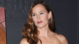 Single mother, actress Jennifer Garner says she