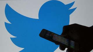 Writer Emily Lindin closes her Twitter after sexist tweets