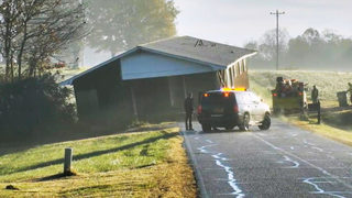 MUST SEE: House being moved winds up stuck on road