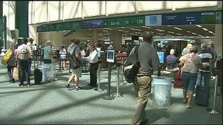 Orlando airport connecting flights: Traveler