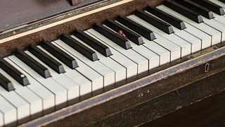 Stranger surprises Goodwill shoppers with impromptu piano performance
