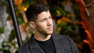 Nick Jonas plays impromptu session at Tampa Starbucks, buys fans coffee