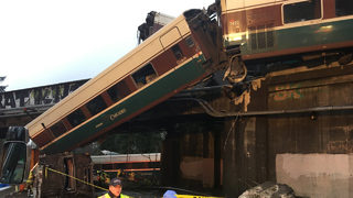 Fatalities reported after train derails onto Interstate 5 in Washington