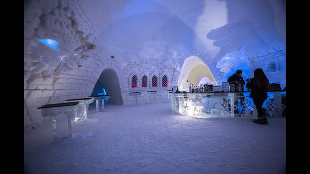 photos 39 game of thrones 39 themed ice hotel opens in