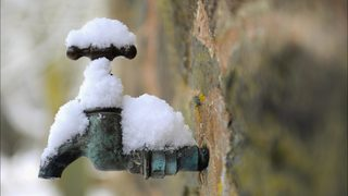 How  and when  to protect your pipes from freezing