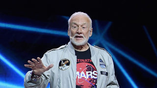 Video: Astronaut Buzz Aldrin gets upset with Delta agent over missed flight