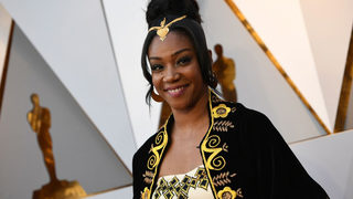 2018 Oscars: Tiffany Haddish Honors Late Father on Red Carpet