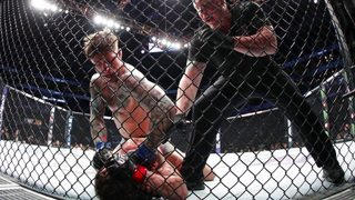 MMA fighter wins bout when opponent knocks himself out