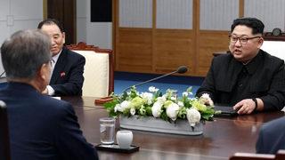 North Korea, South Korea discuss reuniting divided families