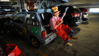 Clown car: Driver uses clown masks to try to get into HOV lane