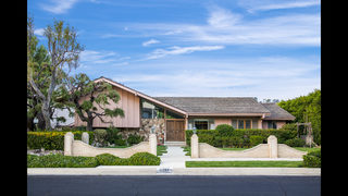 Photos: Take a look inside ′The Brady Bunch′ House