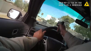 Police officer chases murder suspects through Las Vegas, shoots through windshield during pursuit