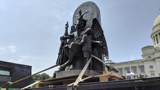 Satanic Temple displays goat-headed statue at Arkansas state Capitol