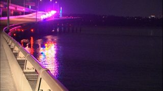 Handcuffed DUI suspect dies after jumping off Seattle bridge