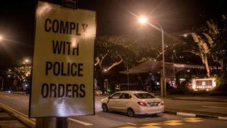 Phoenix police officer, gunman critical after shootout