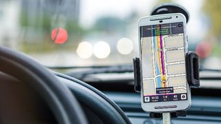 Smartphone navigation apps could be causing more traffic backups, research suggests