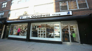 Daughter accidentally donates family heirloom to Goodwill