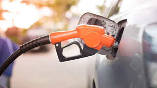 Good news, drivers: Gas prices are dropping ahead of Thanksgiving Day weekend