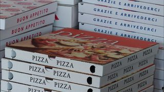 Michigan pizza shop employee makes 225-mile delivery to cancer patient