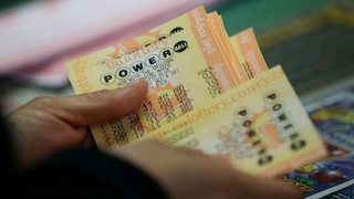 Powerball jackpot climbs to $625 million as no one wins again