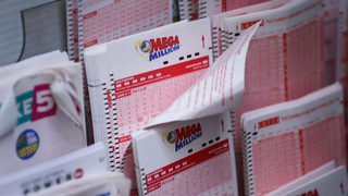 $1.5 billion Mega Millions jackpot unclaimed 3 weeks after drawing